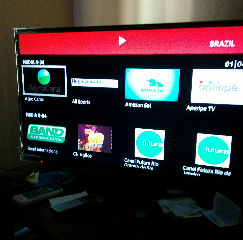Cómo ver canales en vivo en tu Roku, Amazon Fire o Smart TV