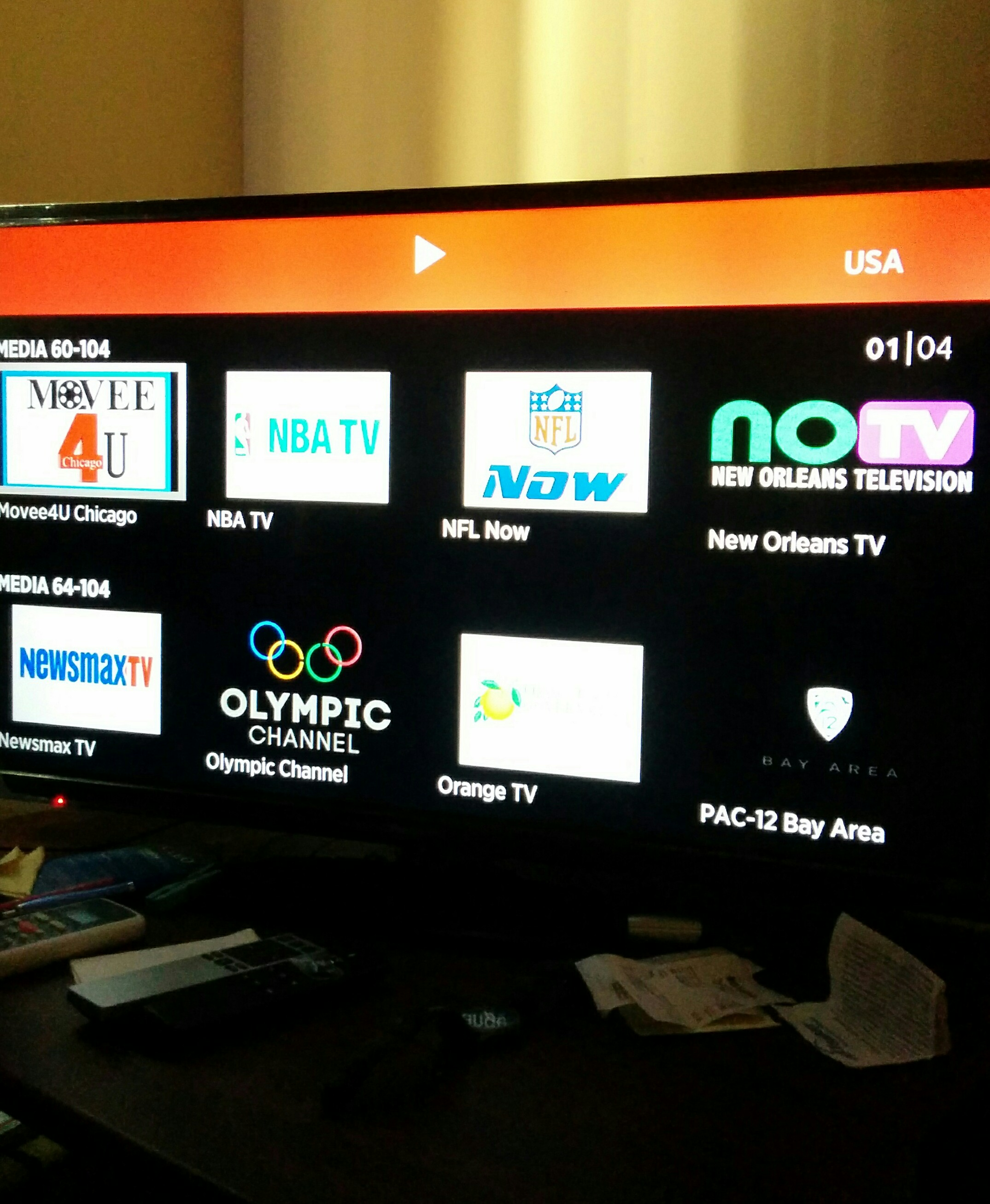 Cómo ver canales en vivo en tu Roku, Amazon Fire o Smart TV